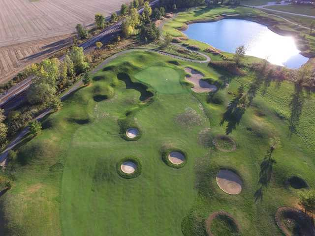 Aerial view of the 4th green and bunkers at Grey Hawk Golf Club