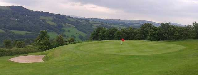 View of the 5th green at Werneth Low Golf Club