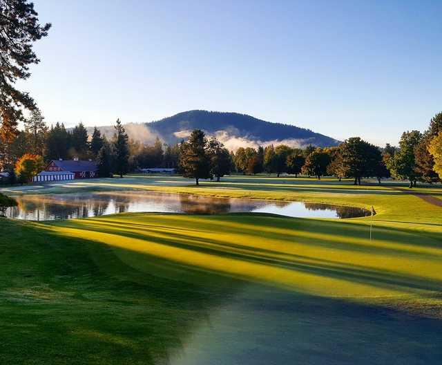 A view of a green at Avondale Golf & Tennis Club.