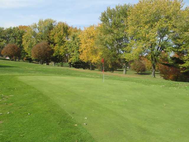 A fall day view of a green at Bergen Golf Course (John Minser).
