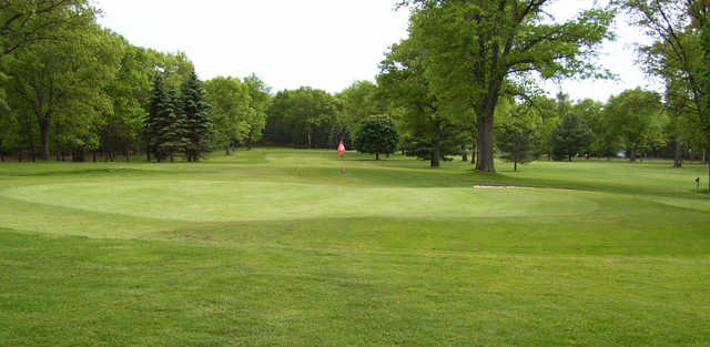 View of a green at Marquette Trails Golf Club.