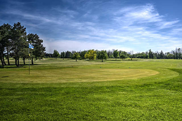 A view from North at Hyde Park Golf Course
