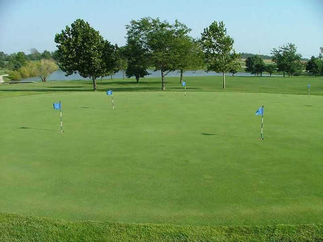 A view of the practice putting green at Smiley's Executive Golf Club.