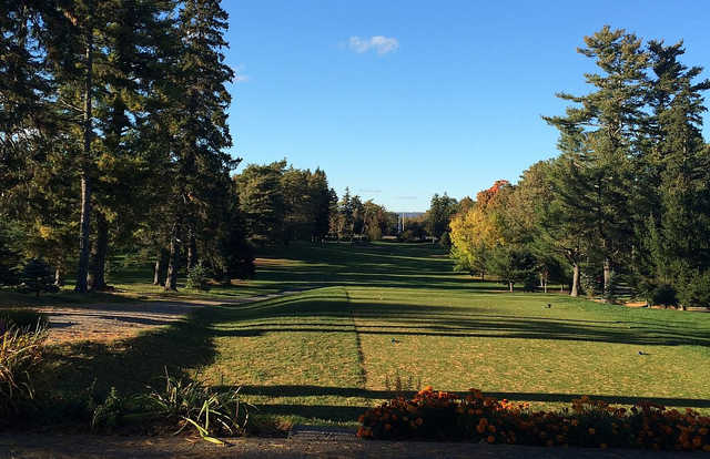 A view of a tee at KenWo Country Club.