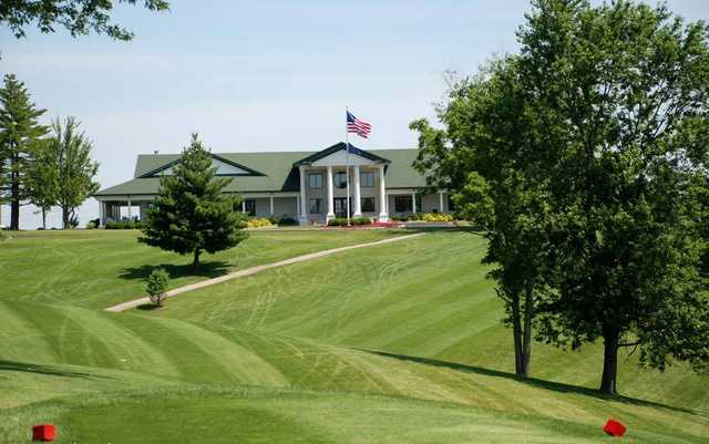A view from the red tee and the clubhouse at Dearborn Country Club (Doris Smith).