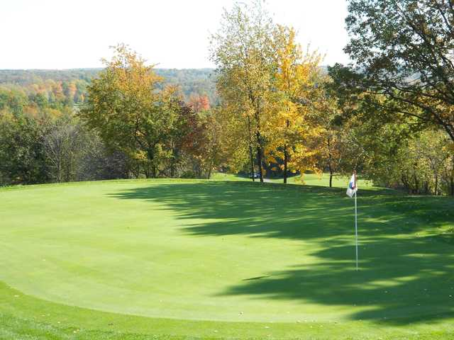 View of a green at Devil's Ridge Golf Club.