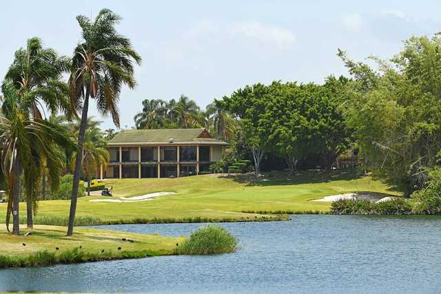 Palm Meadows' 18th hole