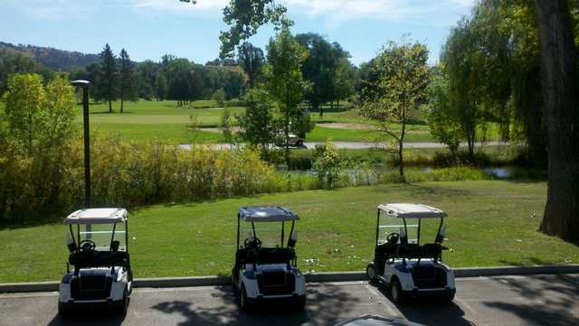 A sunny day view from Meadowbrook Golf Course.