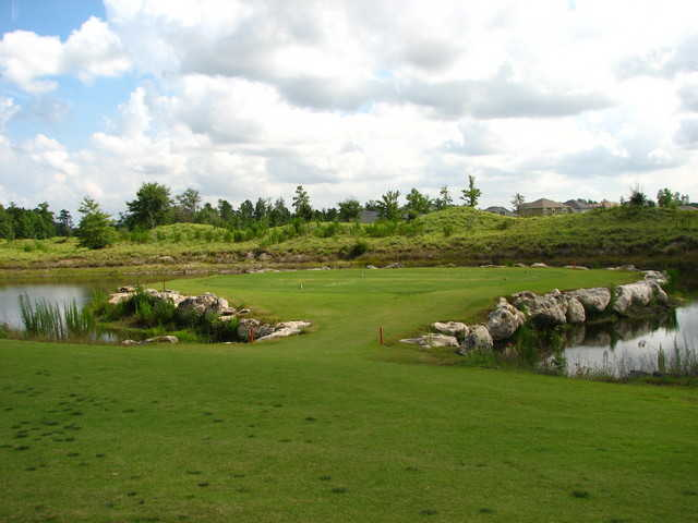 8th hole's tee box at Panther Creek Golf Club in Jacksonville (Photo by T. McDonald)