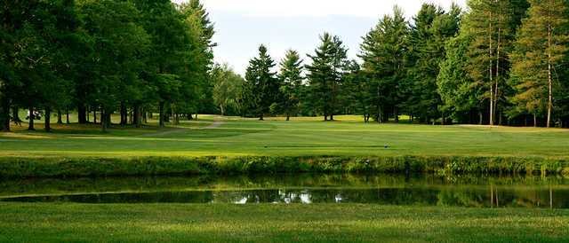 A view of a tee at Chardon Lakes Golf Course.