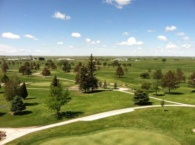 A sunny day view from Sky View Golf Course.