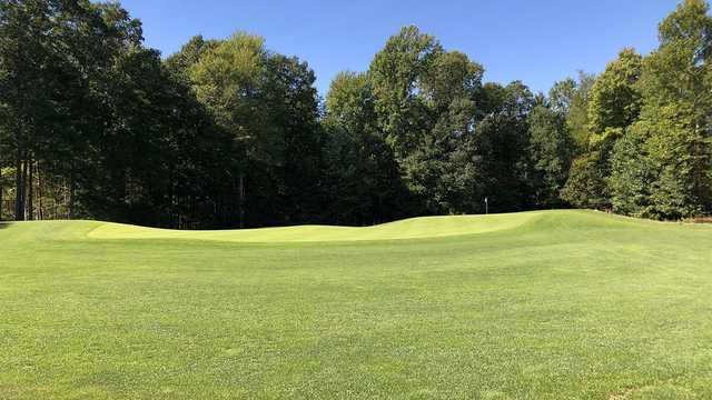 A view of the 5th hole at Diamond Springs Golf Course (Andy Johnson, The Fried Egg).