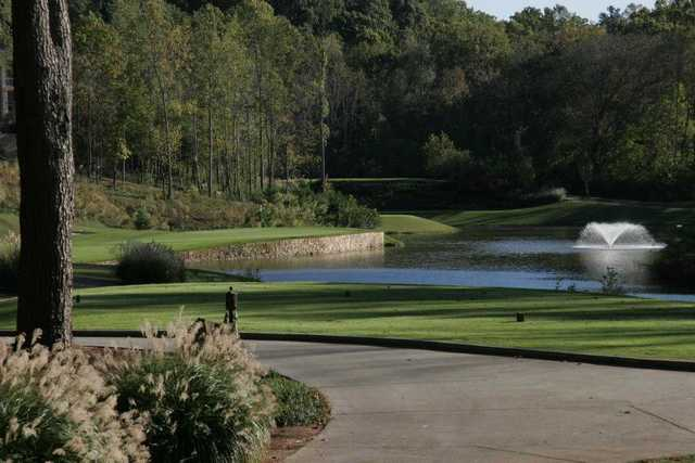 A view of a green with water coming into play at Bear's Best Atlanta.