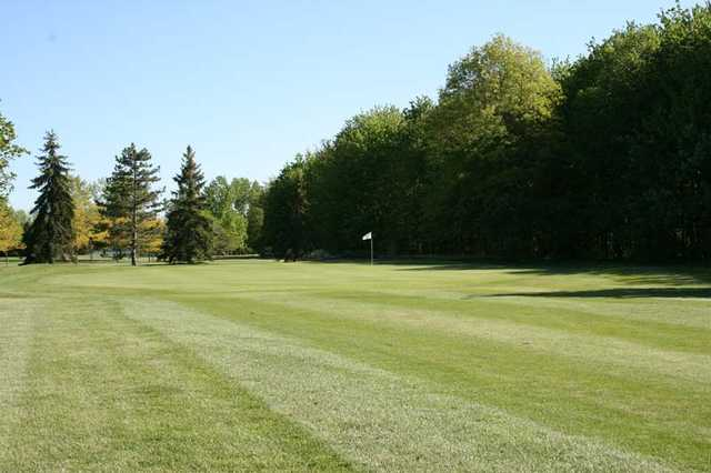 View of the 8th green at Rolling Green Golf Club.