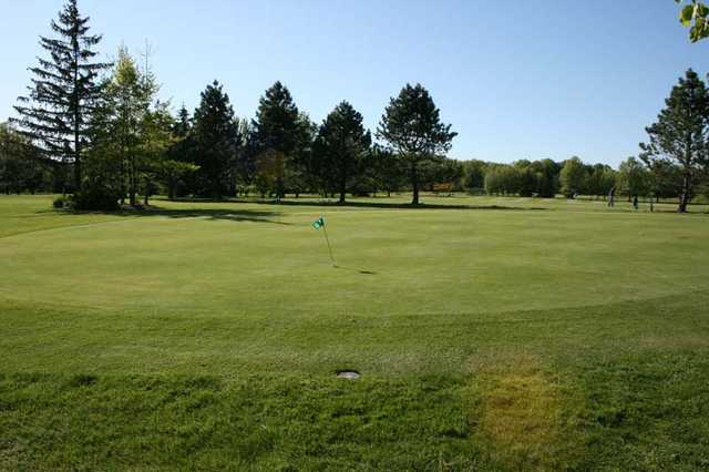 View of the putting green at Rolling Green Golf Club.