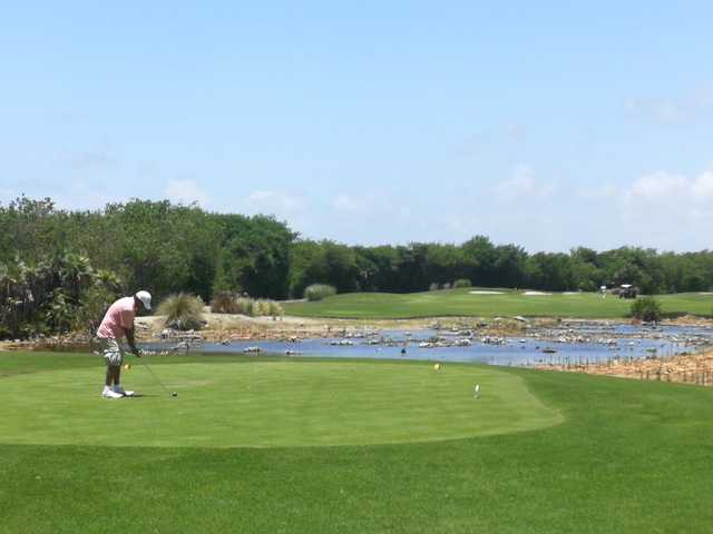 A view of a tee at Riviera Cancun Golf & Resorts.