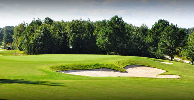 A view of a well protected hole at Olde Liberty Golf & Country Club.