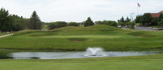 A view over the water from The Golf Club of Illinois.