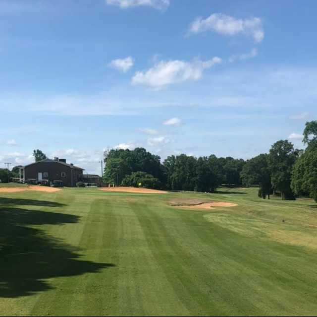 View of the 18th green at Yadkin Country Club.