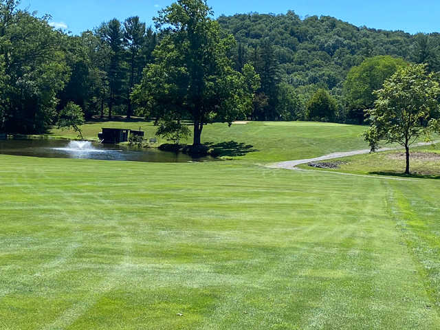 View of the 2nd green at Huntingdon Country Club.