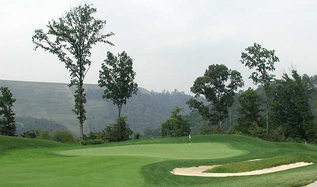 A view of the 12th green at StoneCrest Golf Course