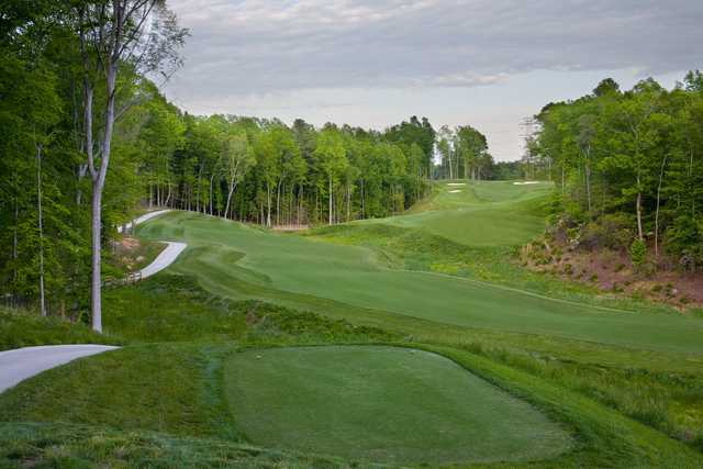 A view of the 5th tee at Colonial Heritage Club