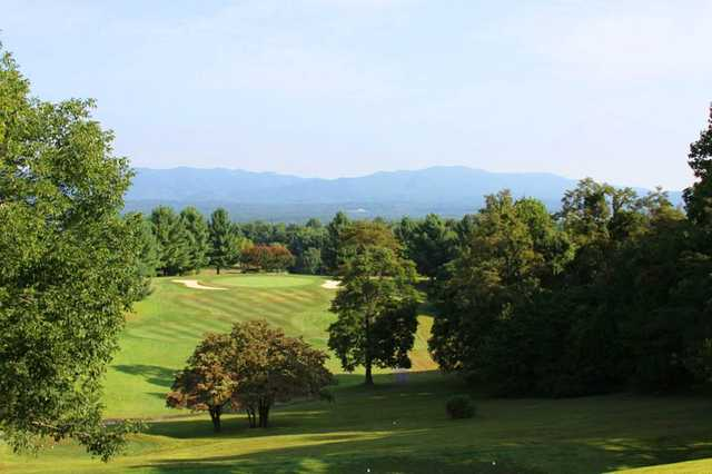 A view of a hole protected by bunkers at Boutetourt Golf & Swim Club