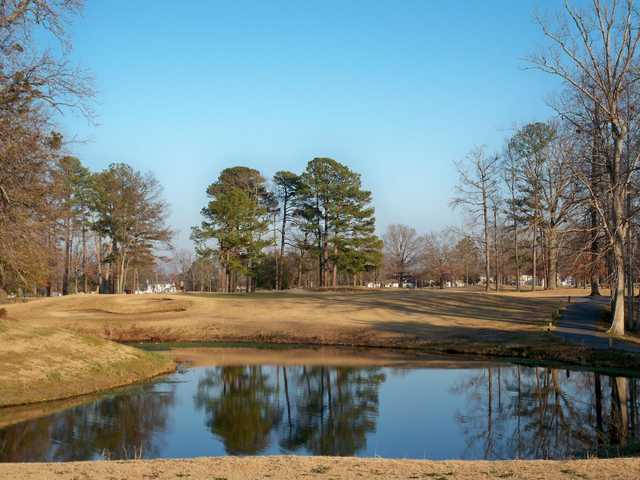 A view of green #7 at Sleepy Hole Golf Course