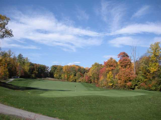 A fall view of hole #16 at Timbers at Troy