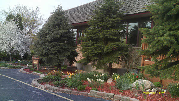 A view of the clubhouse at Muskego Lakes Country Club