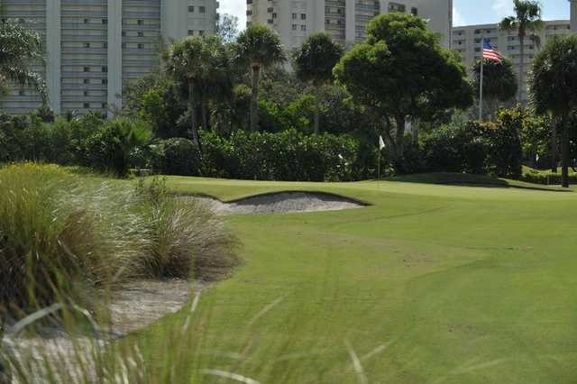 A view of green at Jupiter Dunes Golf Course