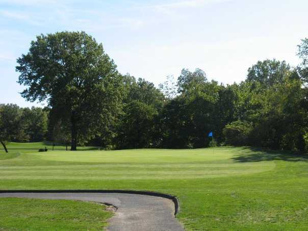 A view of the 4th green at South Shore Golf Course