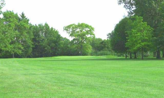 A view of green at 	Burnham Woods Golf Course
