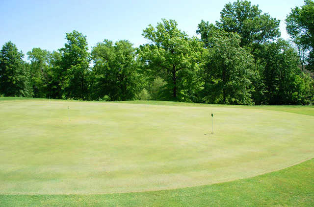 A view of the practice putting green at Fox Creek Golf Club