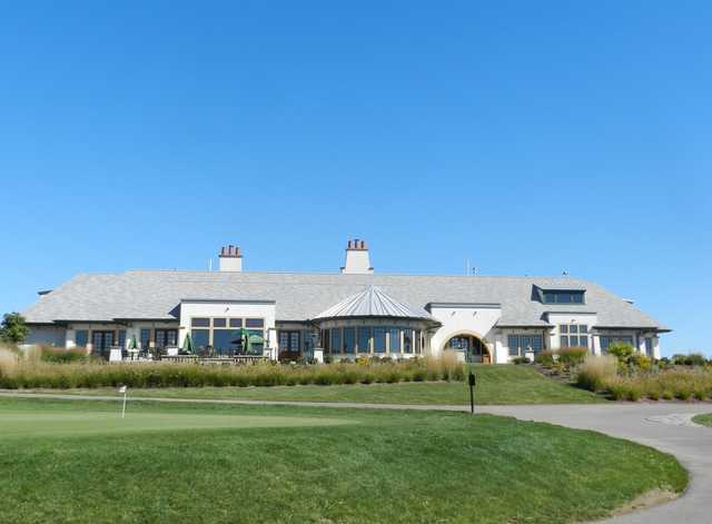 A view of the clubhouse at Bowes Creek Country Club