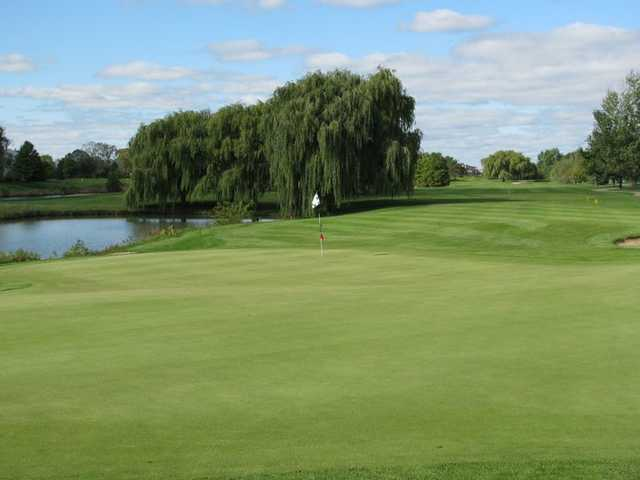 A view of green #18 at Glendale Lakes Golf Club