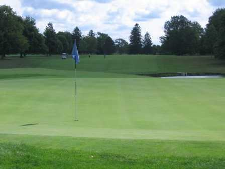 A view of the 18th green at Mohawk Golf Club