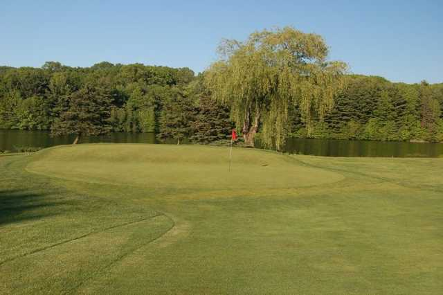 A view of the 18th green at Manchester Country Club