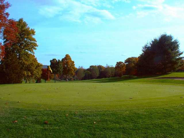 A fall view of green at Hunter Golf Club