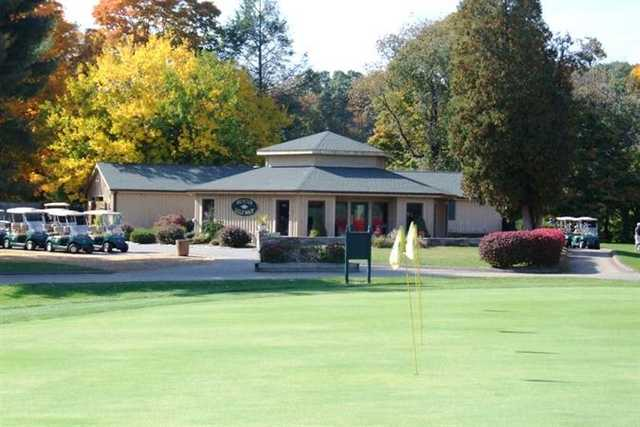 A view of the practice area at Hunter Golf Club