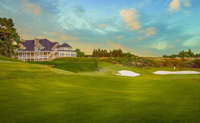 A view of the clubhouse and finishing hole at The Cape Club (Michael Petrizzo)