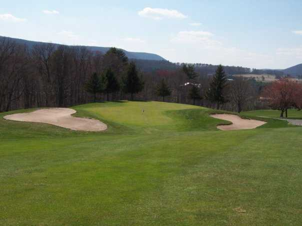 A view of the 9th green at Sugarloaf Golf Club