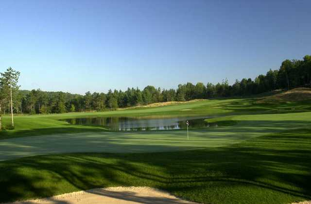 A view of the 3th green at Hawk's Eye Golf Resort