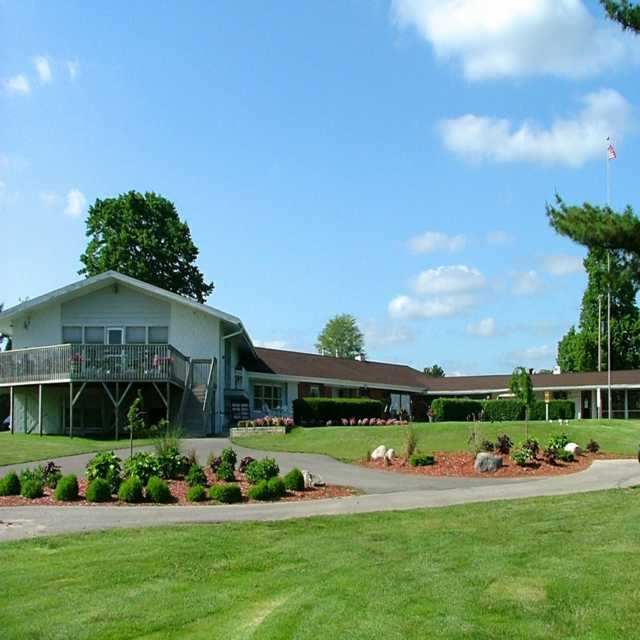 A view of the clubhouse at Lincoln Golf Club.