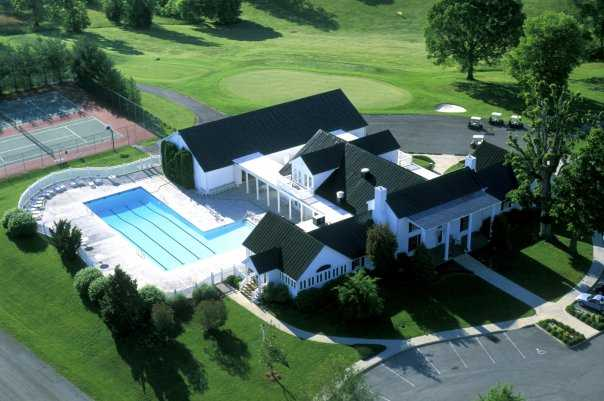 Aerial view of the clubhouse at Westlake Golf & Country Club