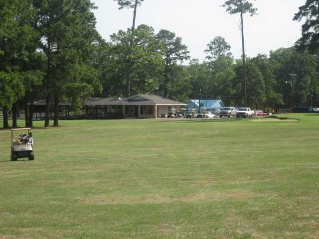 A view of the clubhouse at Livingston Golf Course