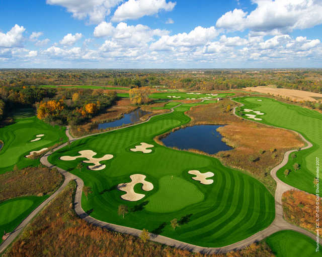 Aerial view of the par-4 8th hole at ThunderHawk Golf Club