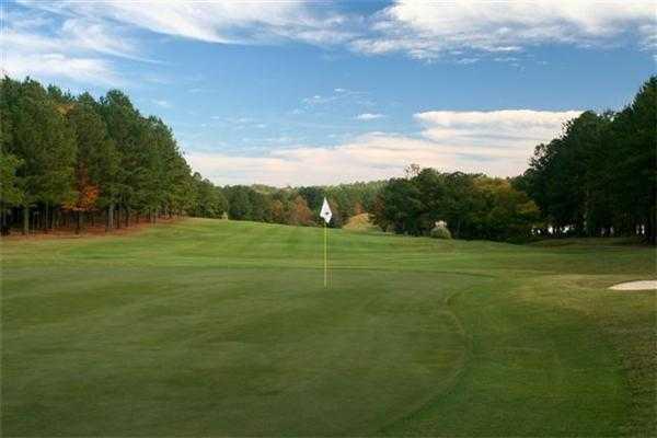 A view of green from Tara Golf Club at Savannah Lakes