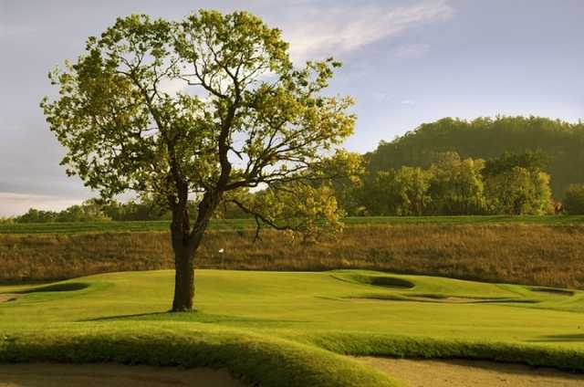 A view of the 8th green at Jewel Golf Club