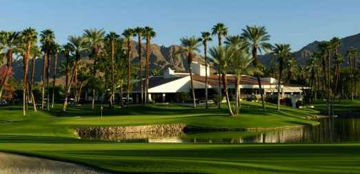A view of green #17 and clubhouse (courtesy of Desert Horizons Country Club)